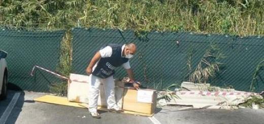 sequestro rifiuti pericolosi ed eternit nel porto di Ancona