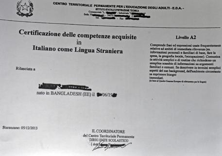 Venti denunce per falsi attestati lingue fanotizia for Questura di ancona permesso di soggiorno