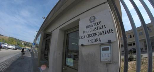 CARCERE ANCONA SCOPPIA, RIVOLTA DETENUTI