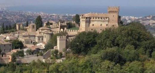 Non solo spiagge, a Ferragosto aprono castelli e musei