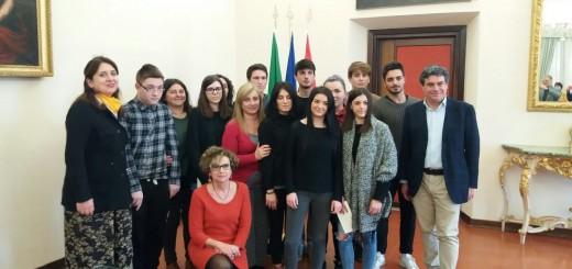 Olivetti premiazione classe x logo servizi sociali