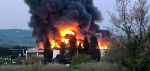 Incendi: a fuoco azienda materia plastiche Tontarelli.