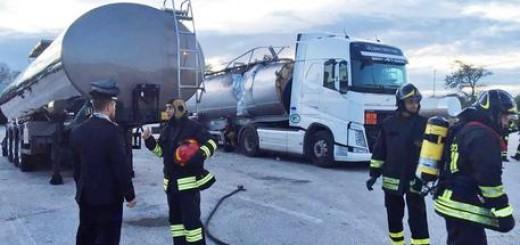 Esplosione autocisterna a Falconara
